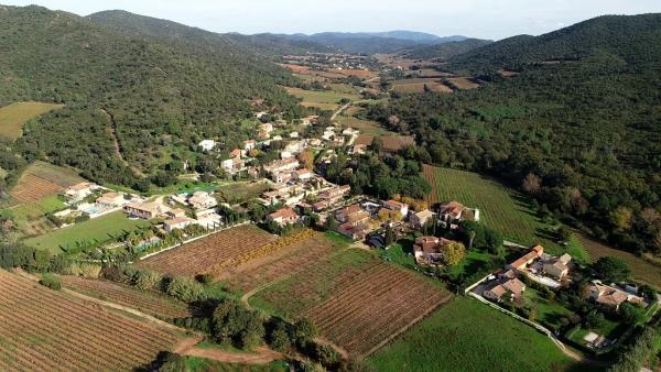 vue_drone_vallee_borrels.jpg